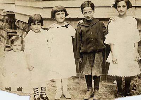 Sicilian immigrant children, 1916